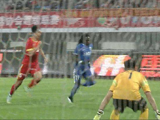 进球视频-申鑫反客为主 丹尼尔奔袭单骑闯关