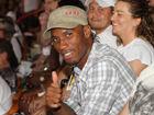 视频-德罗巴现身NBA总决赛 解说调侃待会飞上海