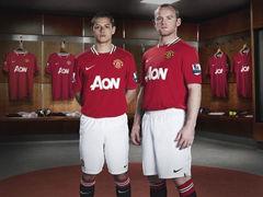 视频-6亿镑!曼联获天价球衣赞助 远超各大豪门