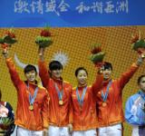 女子佩剑团体中国队夺冠