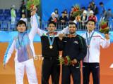 古典摔跤66公斤伊朗选手夺冠