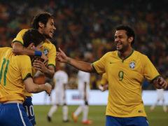 视频集锦-内马尔戴帽曼城大将世界波 巴西5球大胜