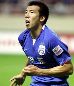 吴伟超姜坤联袂建功上海主场2比0胜陕西重夺榜首