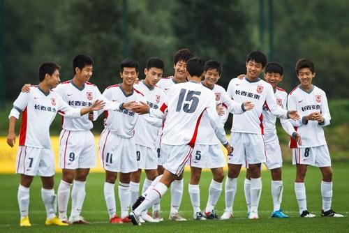 亚泰征战曼联世界杯赛创佳绩青年队获第九亚洲第一