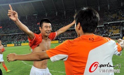 资料图片-2010中超联赛足球先生候选山东队韩鹏
