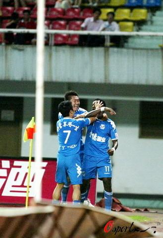 图文-[中超]长沙金德VS广州医药长沙球员庆祝进球