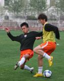 图文-鲁能备战京鲁焦点战对抗赛毫不留情