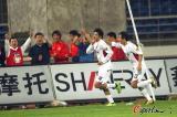 图文-[中超]长春亚泰1-0天津康师傅享受进球喜悦