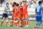 图文-[中超]青岛6-1重庆力帆 中能队员享受狂胜