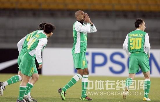图文-[亚冠]北京国安VS川崎前锋奥托努力得到回报