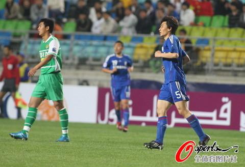 图文-[亚冠]水原三星2-0北京国安李玮峰表现抢眼