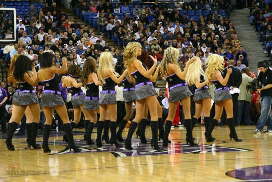 NBA性感女郎-萨克拉门托啦啦队国王女郎舞姿撩人