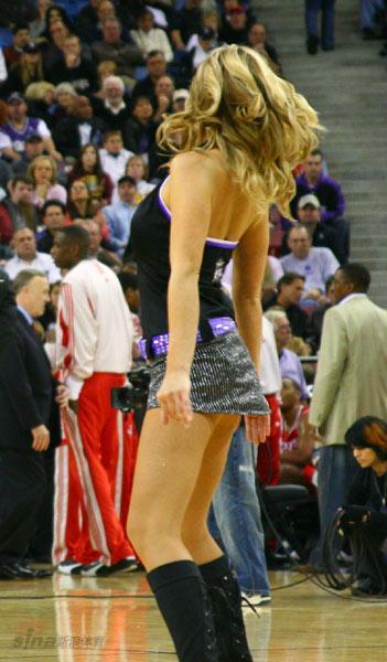 NBA性感女郎-萨克拉门托啦啦队国王女郎高挑身材