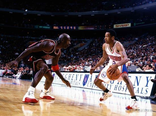 NBA老照片-状元秀初出茅庐面对飞人大帝也不畏惧