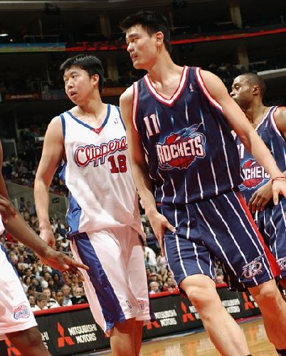 姚明大郅NBA赛场同场竞技