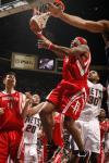 图文-[NBA常规赛]火箭VS网队维尔斯突破上篮