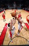 图文-[NBA]火箭80-93猛龙自己队友也争篮板
