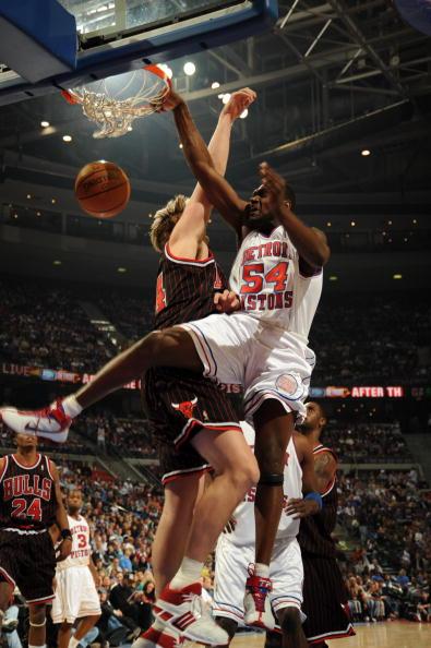 图文-[NBA]公牛109-116活塞马克希尔篮下爆扣