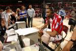 图文-[NBA]爵士69-95火箭微笑接受现场采访