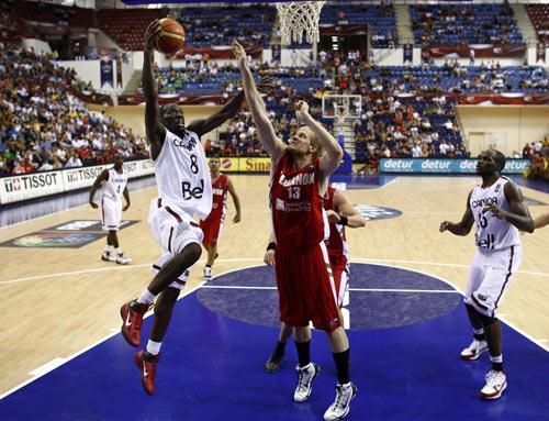 图文-[世锦赛]加拿大71-81黎巴嫩单手上篮