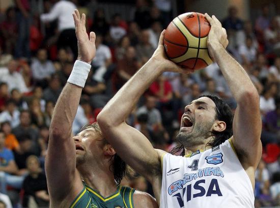 图文-[世锦赛]阿根廷74-72澳大利亚铁肘开路无人敌