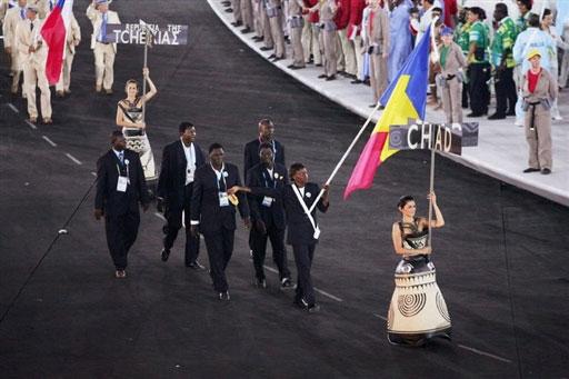 资料图-雅典奥运会开幕式 非洲乍得代表团入场