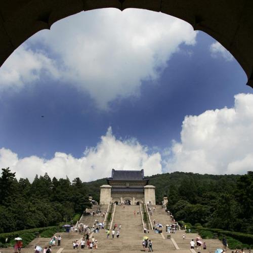 南京景点:中山陵灵谷寺藏钟山 栖霞山驰名江南