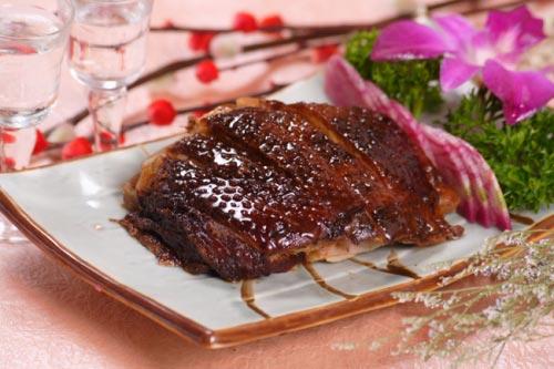 南京美食特产:板鸭盐水鸭食不厌 秦淮八绝味独特