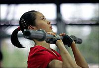 中国女排北仑第一训扎实备战首次接触新款奥运用球