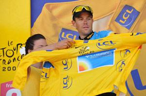 环法第六赛段意车手赢山地赛段夺冠热门首披黄衫