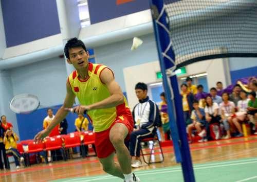 羽球奥运冠军香港展示花式招数 超级丹魅力风靡香江