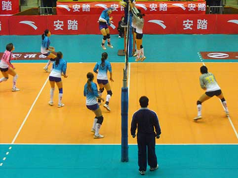 08-09赛季全国女排联赛A组第14轮:河北1比3负上海
