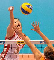 大奖赛总决赛中国女排出师不利揭幕战2比3负荷兰