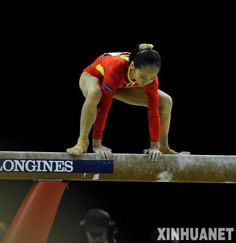 """体操:美国包揽女子全能冠亚军中国""""双琳""""均失误"""