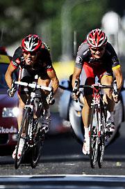 环法第十赛段:朗哥队友半个车轮险胜夺车队首冠