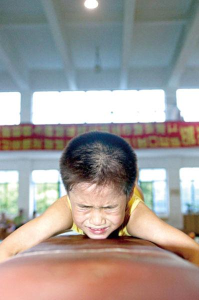 """很多中国基层教练员深信""""吃得苦中苦,方为人上人""""。本报资料图 记者 施剑平 摄"""
