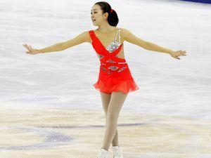 中国杯-浅田真央暂第2李子君第5法组合冰舞领跑