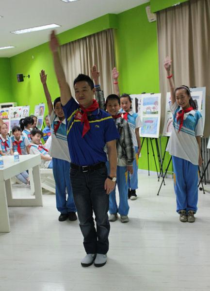 """6日,""""北京·朝阳 第二故乡运动 运动员志愿服务走入十里河星河双"""