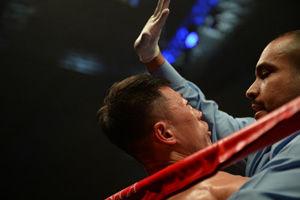 马一鸣1回合遭三次击倒TKO应战WBA全球拳王失利