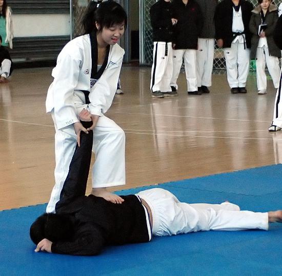 图文 第三届跆拳道大学生庆典大会