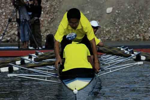 图文-奥运舵手总决赛第二集李大鹏即将完成换位