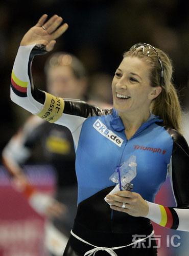 图文-世界杯速滑赛荷兰站德国速滑女皇弗雷辛格