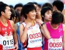 图文-2008厦门国际马拉松赛况孙英杰等待起跑