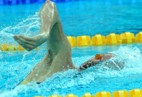 图文-奥运游泳测试赛5日赛况 瑞典队员奋力划水