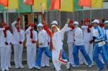 图文-奥运圣火传递在圣彼得堡举行 国家杜马副主席