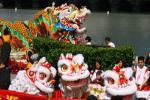 图文-北京奥运圣火在旧金山传递 龙腾狮舞迎圣火