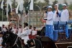 图文-奥运圣火在伊斯兰堡传递 火种灯乘马车登场