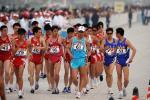 图文-好运北京男子50公里竞走赛况 选手互相比较