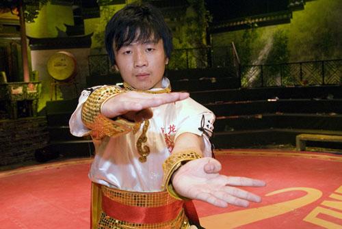 图文-五祖拳全国总决赛第二周第二周擂主陈扎生