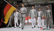 图文-德国代表团发布北京奥运会制服德国帅小伙儿